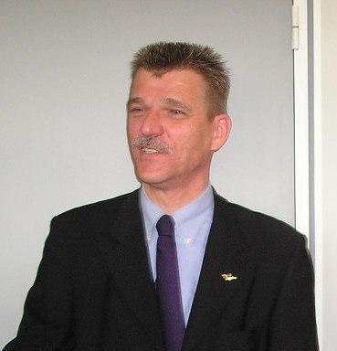 In memoriam: Sipke de Jong
