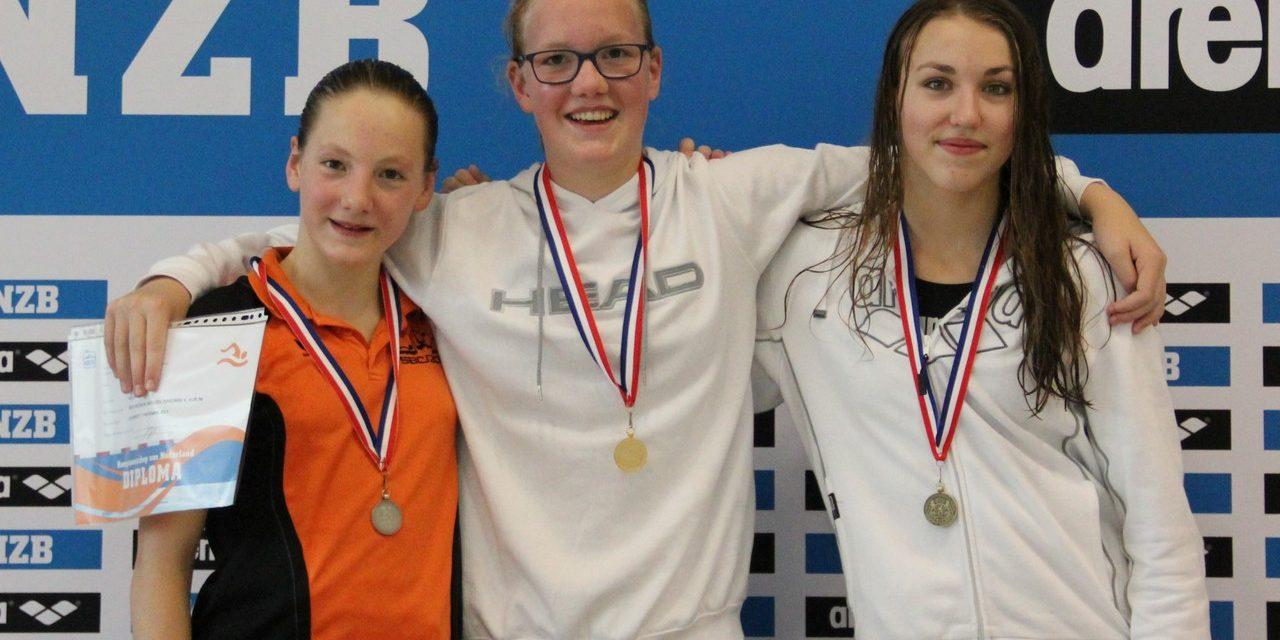Goud voor Inge Vieveen en brons voor Jasmijn Boon op de 800m vrije slag NJK