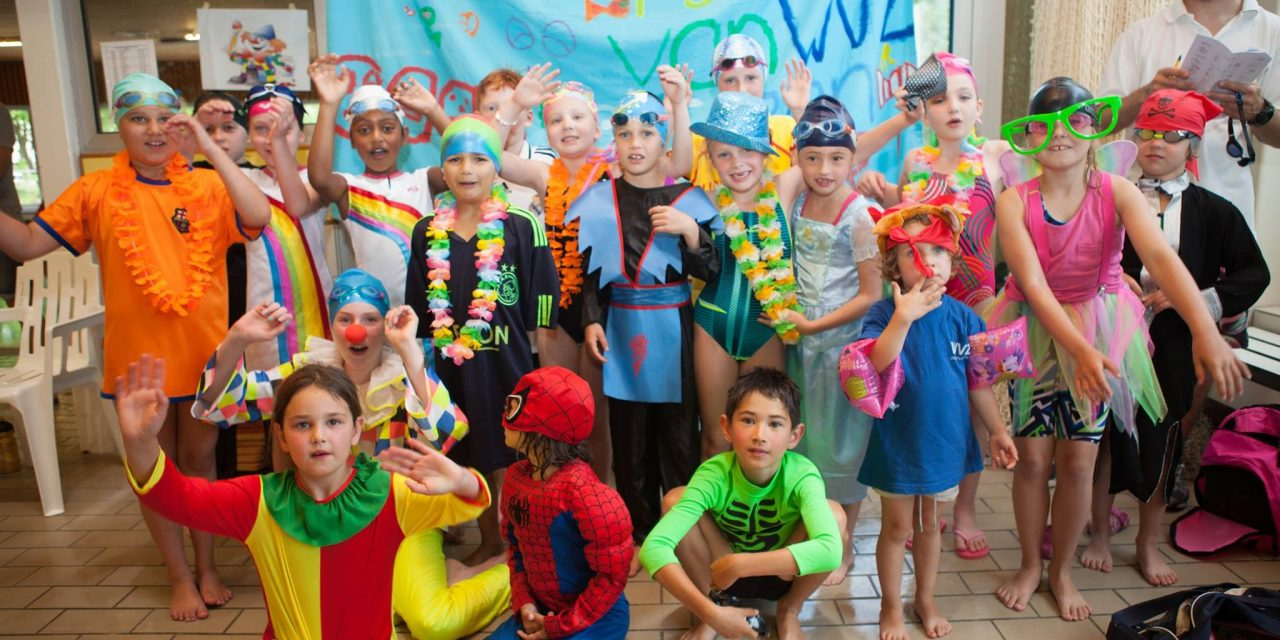 JIO-zwemmers testen, toetsen, zwemmen en feesten!
