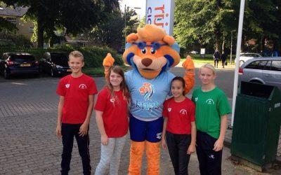 Jaarlijkse KNZB Miniorendag: leerzaam voor zwemmers èn ouders!