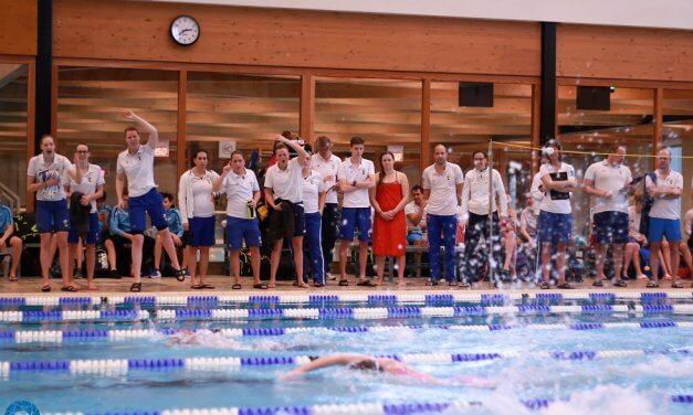 team B doet het super in de Zwemcompetitie