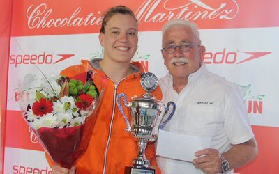 Valerie van Roon wint Zwemkroniekbokaal 2018